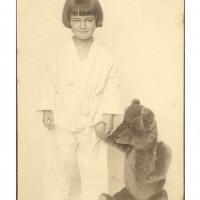 17-Aviva-as-a-child-in-1924-in-Berlin