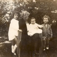 18-Lucie-and-three-grandchildren